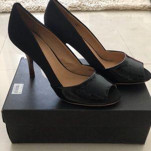 Tahari Lyra heels